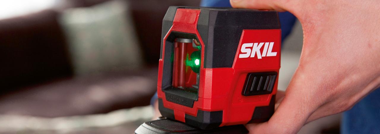 Nivelă cu laser
